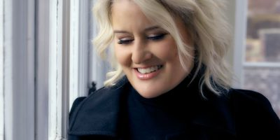 Grammy-Winner Paula Cole